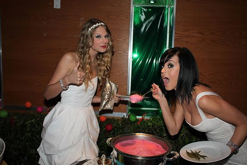 Taylor & Katy in better times before they began fighting over me